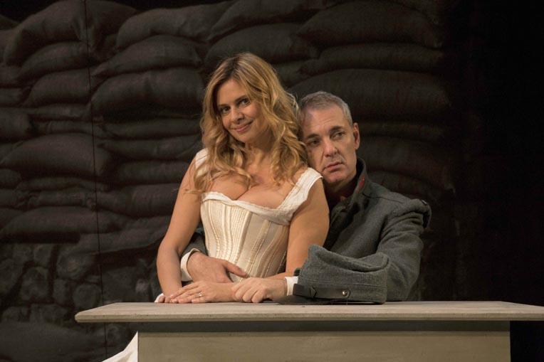 La Grande Guerra di Mario Edoardo Sylos Labini e Debora Caprioglio al Teatro Manzoni di Milano